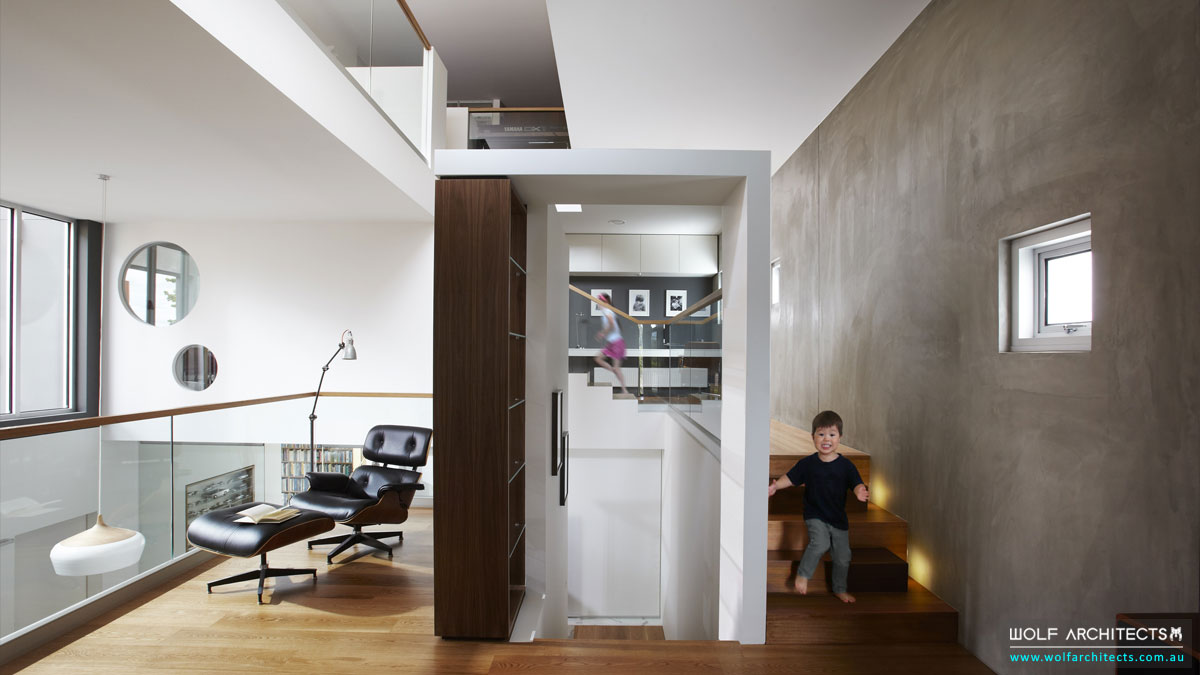 Open dynamic living spaces by Wolf Architects
