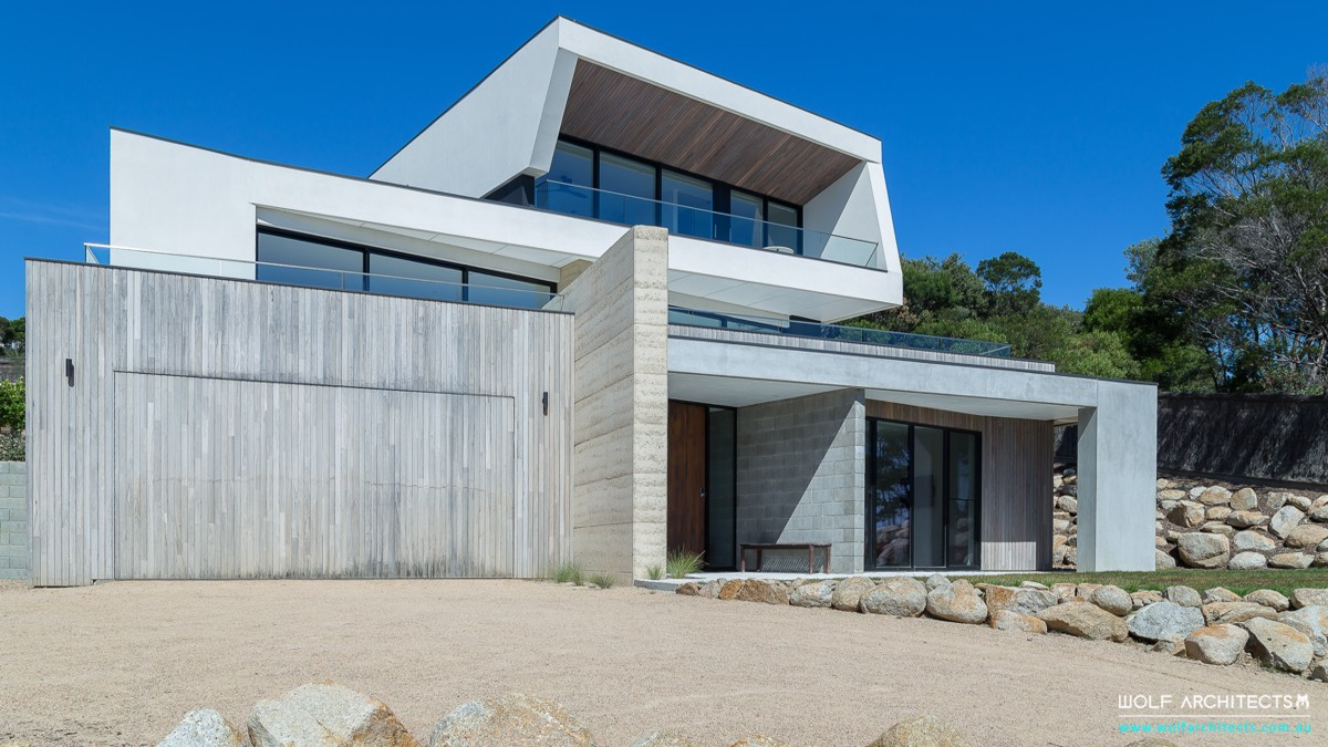 Mount Martha mornington contemporary house front by Wolf Architects