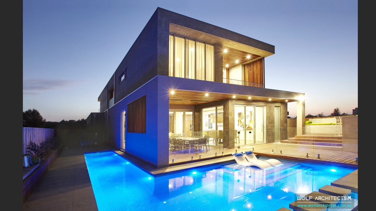 contemporary house in Torquay with pool