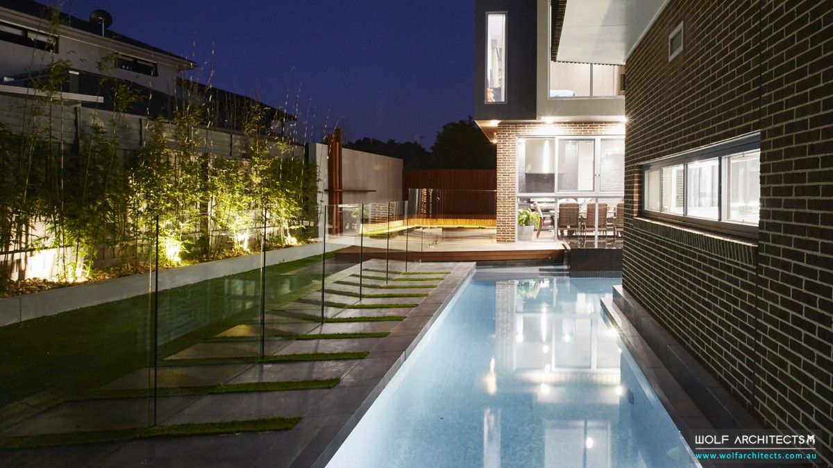 z house rear pool