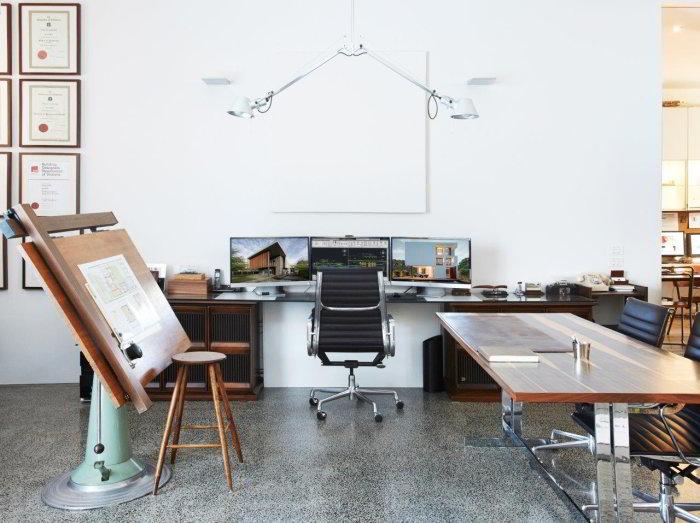 Home office of Taras Wolf